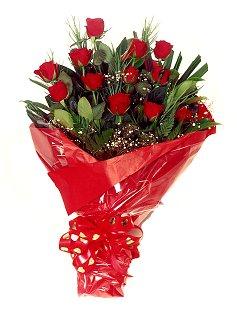 12 adet kirmizi gül buketi  Şanlıurfa çiçek yolla