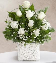 9 beyaz gül vazosu  Şanlıurfa kaliteli taze ve ucuz çiçekler