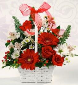 Karışık rengarenk mevsim çiçek sepeti  Şanlıurfa çiçek gönderme