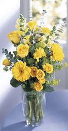 Şanlıurfa çiçek satışı  sari güller ve gerbera cam yada mika vazo