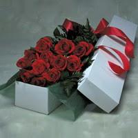 Şanlıurfa çiçek satışı  11 adet gülden kutu