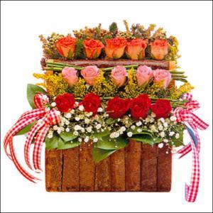 sandikta 3 kat güllerden   Şanlıurfa ucuz çiçek gönder
