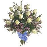 bir düzine beyaz gül buketi   Şanlıurfa hediye sevgilime hediye çiçek