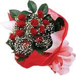 Şanlıurfa çiçek gönderme sitemiz güvenlidir  KIRMIZI AMBALAJ BUKETINDE 12 ADET GÜL