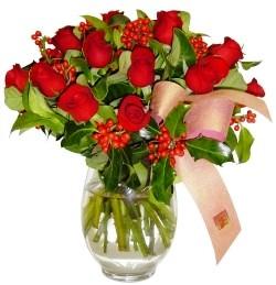 Şanlıurfa çiçek yolla , çiçek gönder , çiçekçi   11 adet kirmizi gül  cam aranjman halinde