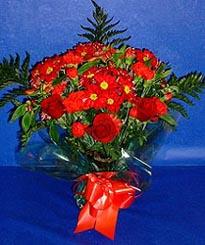 Şanlıurfa online çiçekçi , çiçek siparişi  3 adet kirmizi gül ve kir çiçekleri buketi