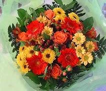 Şanlıurfa yurtiçi ve yurtdışı çiçek siparişi  sade hos orta boy karisik demet çiçek