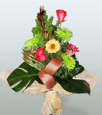 Şanlıurfa yurtiçi ve yurtdışı çiçek siparişi  3 adet gül 4 adet gerbera çiçegi sade buket