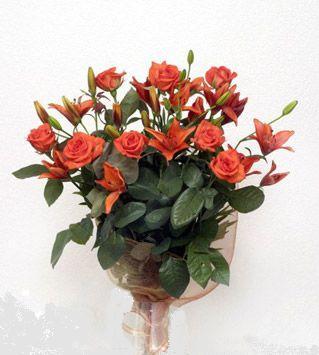 9 adet gül ve 3 adet lilyum çiçegi buketi   Şanlıurfa çiçek , çiçekçi , çiçekçilik