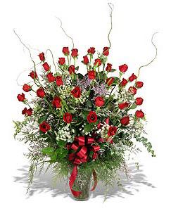 Şanlıurfa İnternetten çiçek siparişi  33 adet kirmizi gül vazo içerisinde