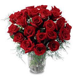 Şanlıurfa hediye sevgilime hediye çiçek  11 adet kirmizi gül cam yada mika vazo içerisinde