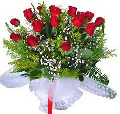 Şanlıurfa kaliteli taze ve ucuz çiçekler  12 adet kirmizi gül buketi esssiz görsellik