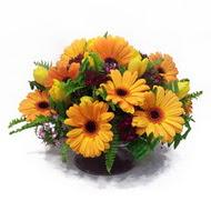 gerbera ve kir çiçek masa aranjmani  Şanlıurfa çiçekçi telefonları
