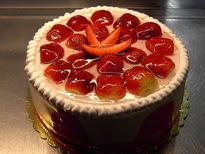Meyvali yas pasta 4 ile 6 kisilik pasta  Şanlıurfa İnternetten çiçek siparişi