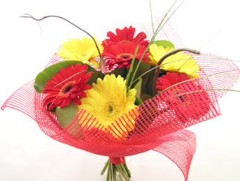 9 adet gerbera çiçeklerinden buket  Şanlıurfa kaliteli taze ve ucuz çiçekler