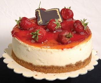 online pastaci 4 ile 6 kisilik yas pasta çilekli  Şanlıurfa İnternetten çiçek siparişi