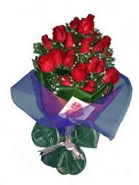 12 adet kirmizi gül buketi  Şanlıurfa çiçek satışı