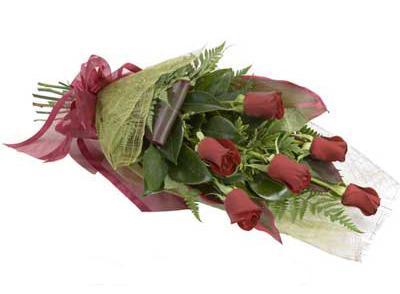 ucuz çiçek siparisi 6 adet kirmizi gül buket  Şanlıurfa İnternetten çiçek siparişi