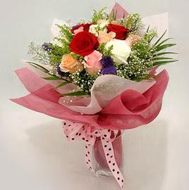 Karisik renklerde 11 adet gül buketi  Şanlıurfa çiçek servisi , çiçekçi adresleri