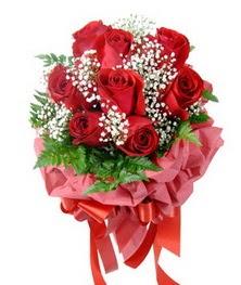 9 adet en kaliteli gülden kirmizi buket  Şanlıurfa internetten çiçek siparişi