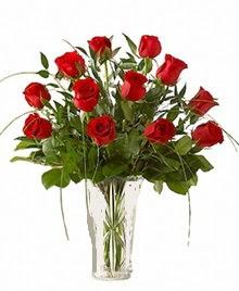 cam yada mika vazo içerisinde 9 kirmizi gül  Şanlıurfa İnternetten çiçek siparişi