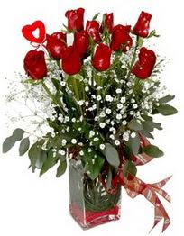 Şanlıurfa çiçekçi telefonları  9 adet mika yada cam vazoda gül tanzimi kalp çubuk