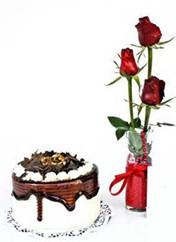 Şanlıurfa çiçekçi telefonları  vazoda 3 adet kirmizi gül ve yaspasta