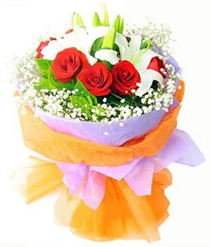 Şanlıurfa hediye sevgilime hediye çiçek  1 dal kazablanka 7 adet kırmızı gül buketi