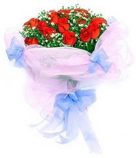 Şanlıurfa İnternetten çiçek siparişi  11 adet kırmızı güllerden buket modeli