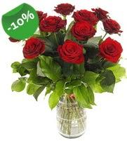 11 adet vazo içerisinde kırmızı gül  Şanlıurfa çiçek satışı