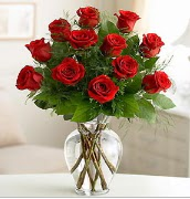 Vazo içerisinde 12 kırmızı gül  Şanlıurfa kaliteli taze ve ucuz çiçekler