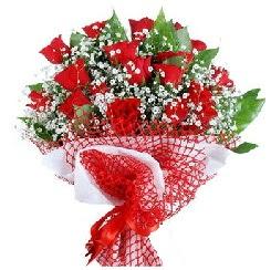 11 kırmızı gülden buket  Şanlıurfa çiçekçi mağazası