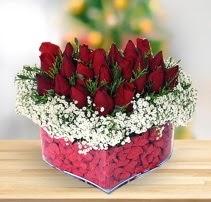 15 kırmızı gülden kalp mika çiçeği  Şanlıurfa kaliteli taze ve ucuz çiçekler
