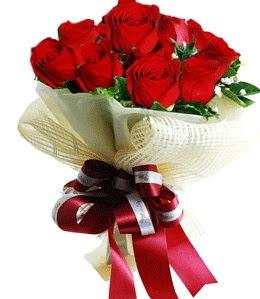9 adet kırmızı gülden buket tanzimi  Şanlıurfa hediye sevgilime hediye çiçek