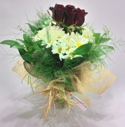 5 adet kırmızı gül ve kırızantem buketi  Şanlıurfa çiçek , çiçekçi , çiçekçilik
