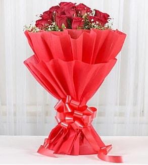 12 adet kırmızı gül buketi  Şanlıurfa online çiçekçi , çiçek siparişi