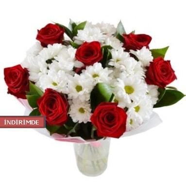 7 kırmızı gül ve 1 demet krizantem  Şanlıurfa hediye sevgilime hediye çiçek